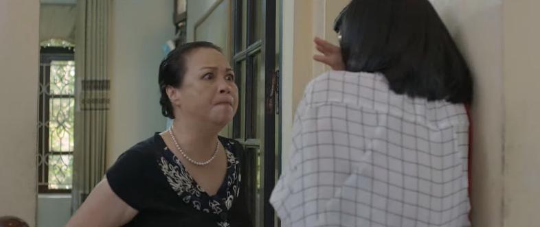'Hoa hồng trên ngực trái' tập 4, Trà công khai tuyên bố cướp chồng Khuê