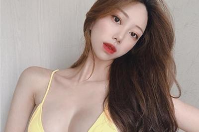 """2 cô gái Hàn sở hữu đường cong """"siêu thực"""" đốn tim mày râu, bí quyết là gì?"""