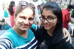 Nữ diễn viên Ấn Độ giết con gái 17 tuổi rồi tự tử