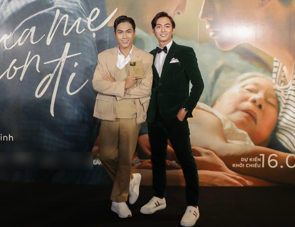 Trai đẹp của Chi Pu, Hương Tràm tiết lộ về cảnh nóng đồng tính