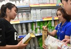 Vietnam considers international suggestions for plastic waste control