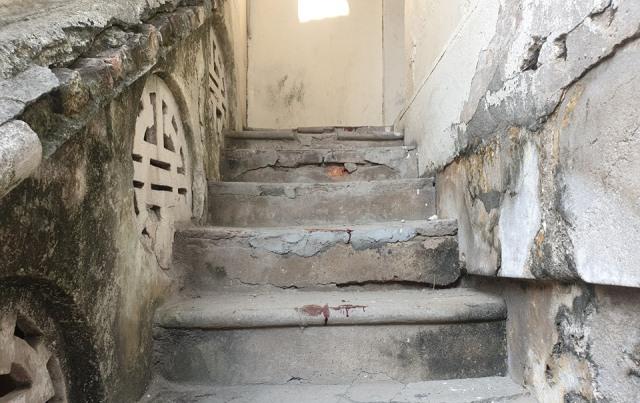 Đâm chết lễ tân 15 tuổi ở Hải Phòng, thanh niên dùng dao tự vẫn