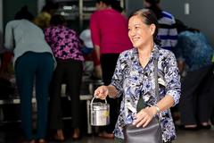 """""""Bếp yêu thương"""" tại bệnh viện Chợ Rẫy chia sẻ 4500 suất ăn miễn phí mỗi ngày"""