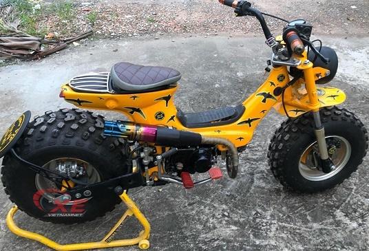 Dân chơi chi trăm triệu độ xe Honda Chaly 50cc cực chất