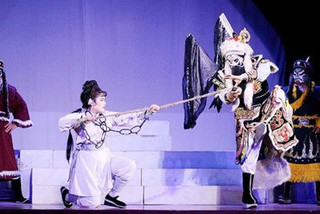 HCM City launches shows of Hat Boi for tourists