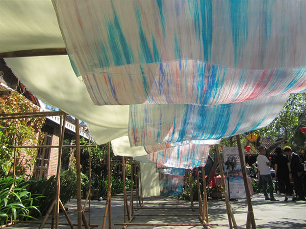 Silk festival builds trade links
