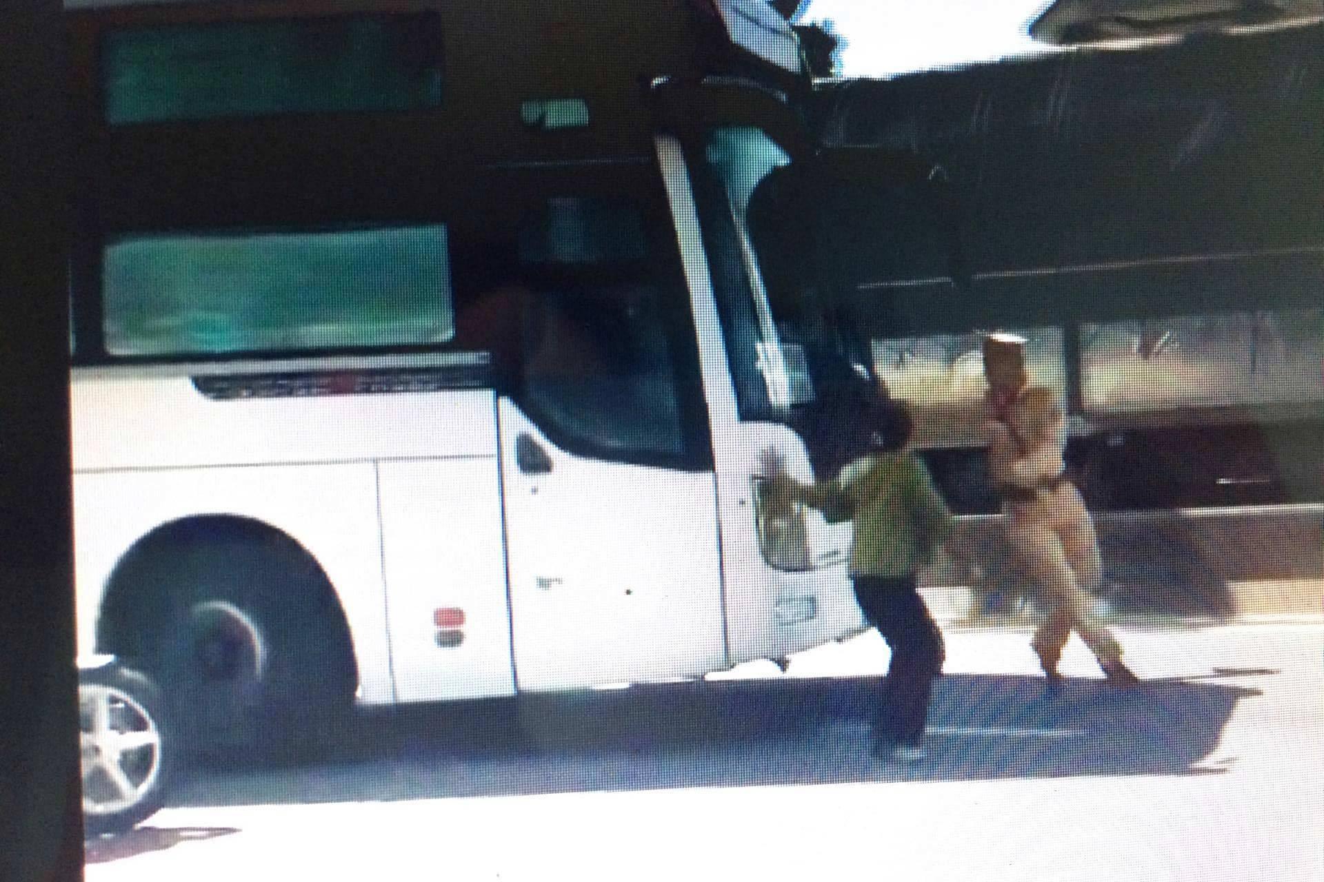 Tài xế dương tính ma túy chở 30 khách phăng phăng trên quốc lộ 1A