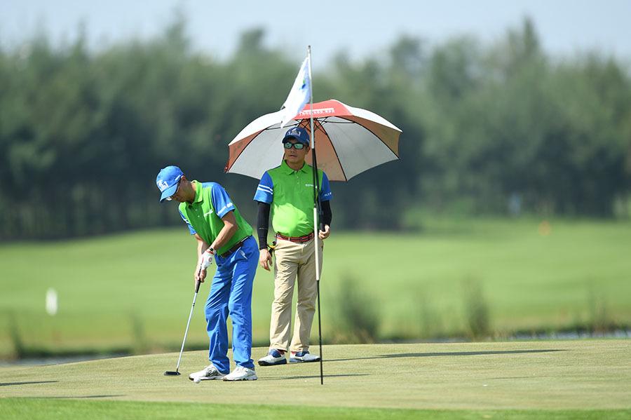 1500 golfer săn HIO 'khủng' của bầu Quyết