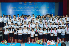 100 học bổng PNJ cho HS nghèo quận Phú Nhuận