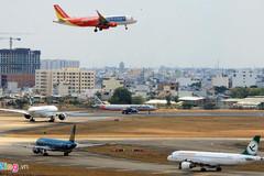 Hàng không Việt - đông đúc trên trời, chật chội dưới đất