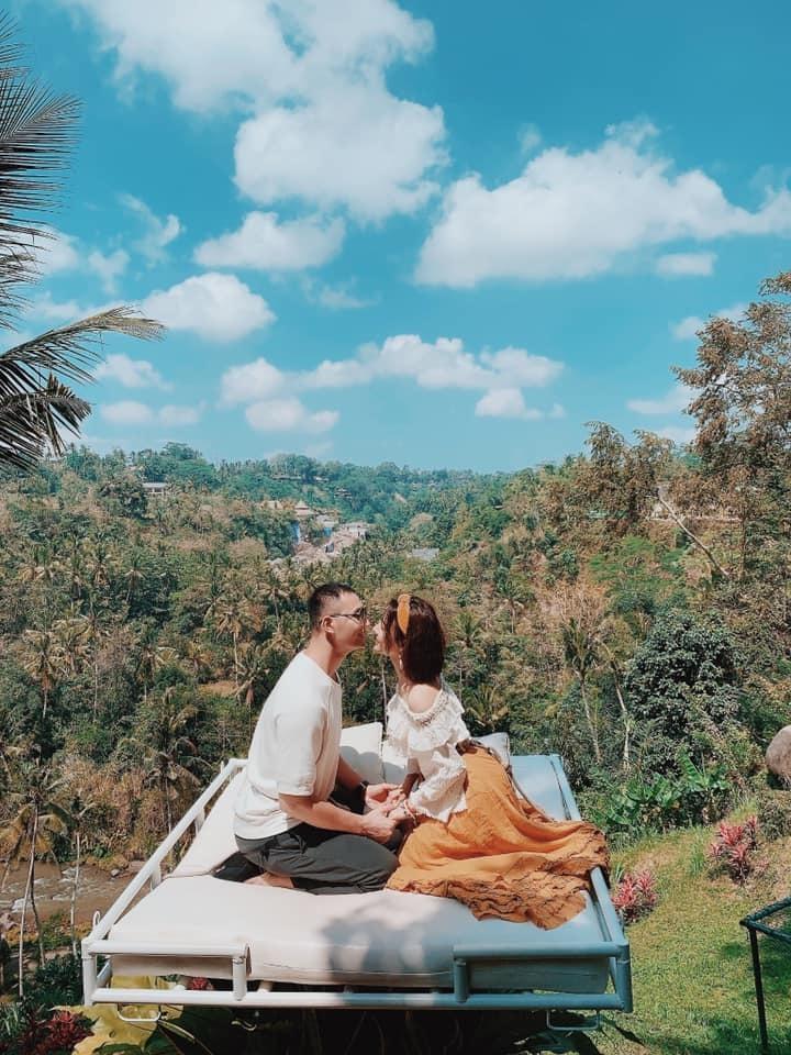 Con gái 'bầu' Đệ và chồng Nam vương khoe ảnh tình tứ ở Bali