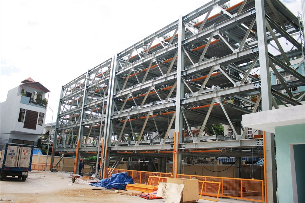 Da Nang's first multi-storey car park to be operated soon