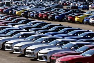 Ưu đãi lớn, ô tô Việt Nam giảm giá mạnh