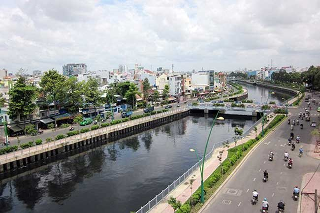 JVE proposes rehabilitating three polluted canals in HCM City
