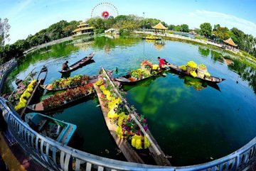 Attractive events and promotions at Dam Sen Park