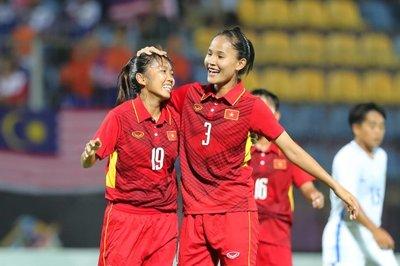 Tuyển nữ Việt Nam hạ Campuchia bằng cơn mưa bàn thắng
