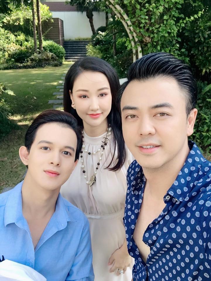 Vợ cũ của Quốc trong 'Về nhà đi con' đẹp, sexy không kém Thu Quỳnh
