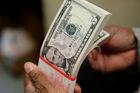 Tỷ giá ngoại tệ ngày 14/10, USD và bảng Anh tăng giá