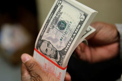 Tỷ giá ngoại tệ ngày 29/8: USD tiếp đà giảm giá