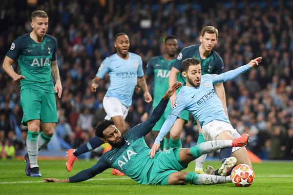 """Man City vs Tottenham: Chủ quá mạnh, khách """"xin hàng"""""""
