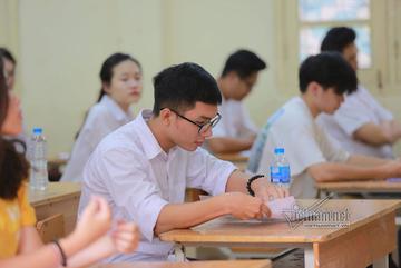 Đừng bắt giáo viên thành 'chủ nợ' của học sinh