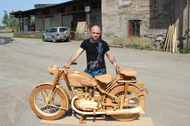Chất lừ những chiếc xe 2 bánh bằng gỗ
