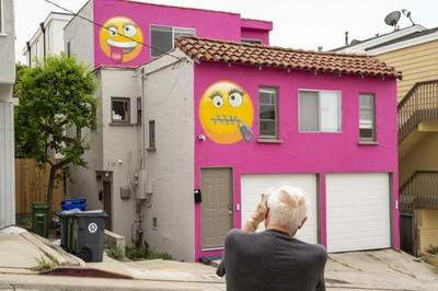 Bị phạt hơn 90 triệu vì hàng xóm 'tố', chủ nhà bất ngờ trả đũa