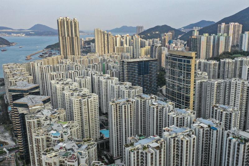 Cơn địa chấn Hong Kong, người dân hoảng loạn gom tiền mặt