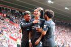 Southampton 1-2 Liverpool: Sai lầm của Adrian (H2)