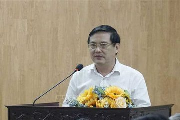 Deputy head of HCMC's agriculture dept receives warning