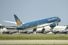 Vietnam Airlines receives first Boeing 787-10 Dreamliner