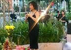 Phi Thanh Vân lần đầu lên tiếng vì bị chê mặc phản cảm đi cúng Tổ nghề