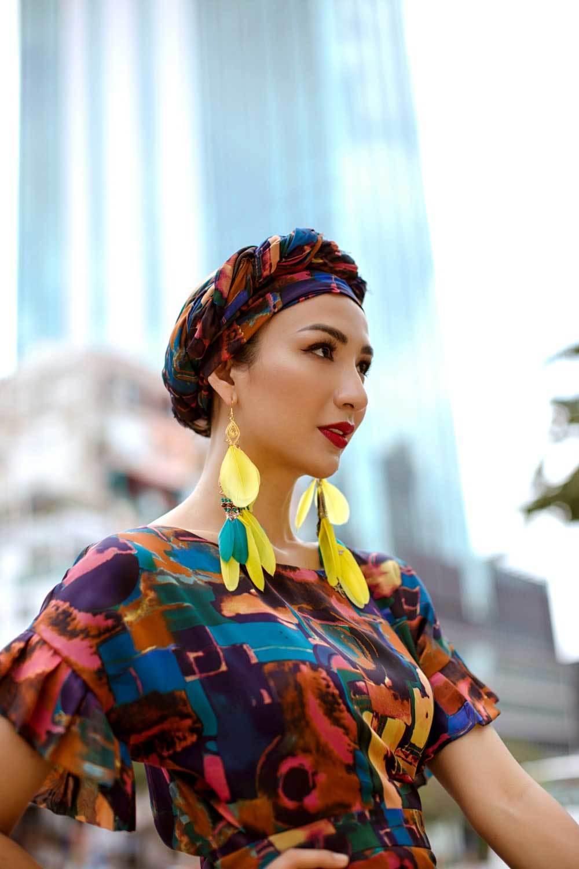Hoa hậu Ngọc Diễm hoá quý cô sành điệu