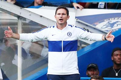 """Lampard bực bội: """"Chelsea chơi thiếu cá tính"""""""