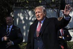 Ông Trump cảnh báo Trung Quốc về thương chiến