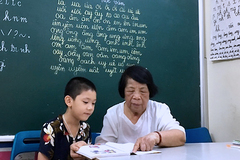 Bà giáo 78 tuổi với lớp học bất thường