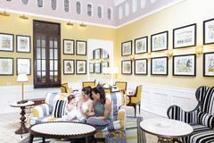 Khoảnh khắc ngọt ngào của Lan Phương cùng con gái ở 'Khu nghỉ dưỡng tốt nhất thế giới 2019'