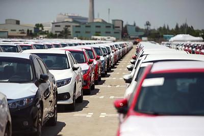 Ôtô nhập khẩu tăng kỷ lục hơn 500% trong 6 tháng đầu năm