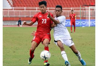 """""""Nghiền nát"""" Myanmar, U18 Indonesia đoạt hạng 3 Đông Nam Á"""