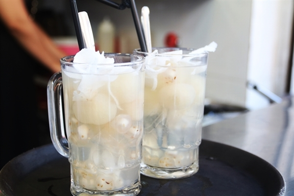 Vietnam food: Longan