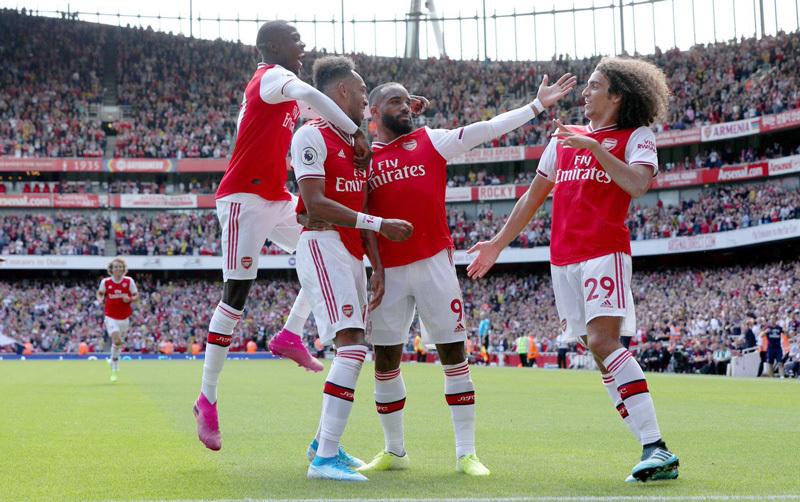 Arsenal trình làng bộ ba tấn công khét tiếng đấu Liverpool