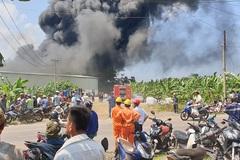 Đốt rác cháy lan, cả dãy nhà xưởng ở Đồng Nai bị thiêu rụi