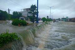 Are floods in Da Lat, Phu Quoc caused by hot tourism development?