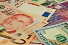 Tỷ giá ngoại tệ ngày 23/8, USD treo cao
