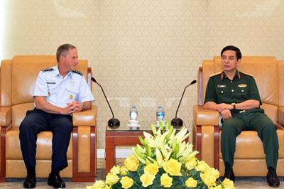 Thượng tướng Phan Văn Giang tiếp Tư lệnh Không quân Hoa Kỳ