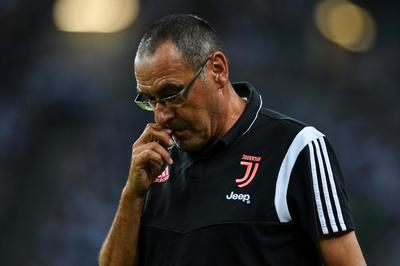 Juventus nhận tin xấu, tân HLV trưởng Sarri bị viêm phổi