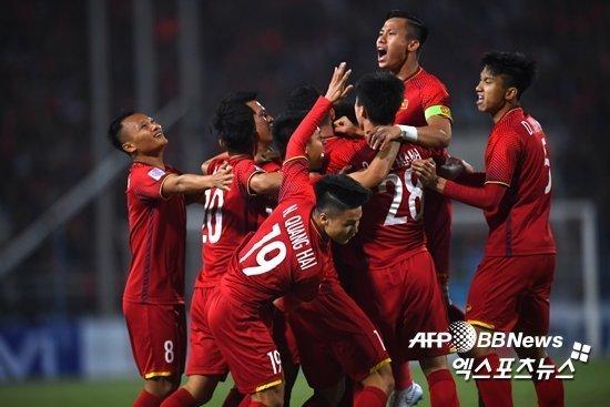 Tuyển Việt Nam,tuyển Thái Lan,HLV Park Hang Seo,Báo Hàn Quốc,Truyền thông quốc tế