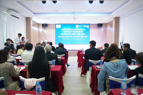 Giảng dạy ngôn ngữ và văn hóa Hàn Quốc ở Việt Nam