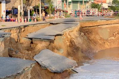 Quốc lộ 91 đổ sụp xuống sông Hậu, An Giang ban bố tình huống khẩn cấp