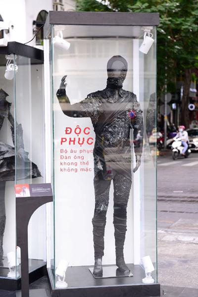 BST thời trang 'từ bụi' khuấy động phố đi bộ Nguyễn Huệ